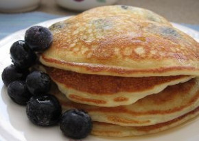 The Best Gluten Free Blueberry Pancakes